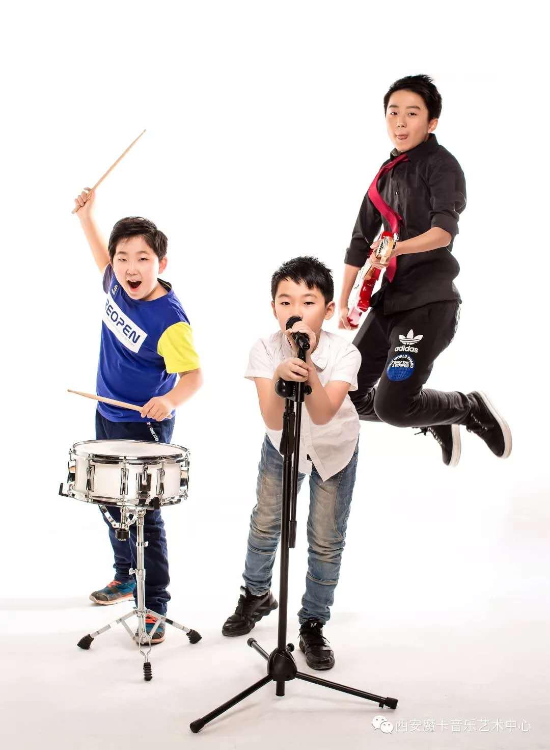 魔卡丰富的舞台展示机会,给孩子更多的锻炼机会。