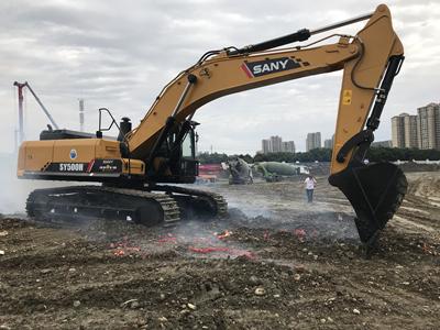 四川挖掘机租赁厂家
