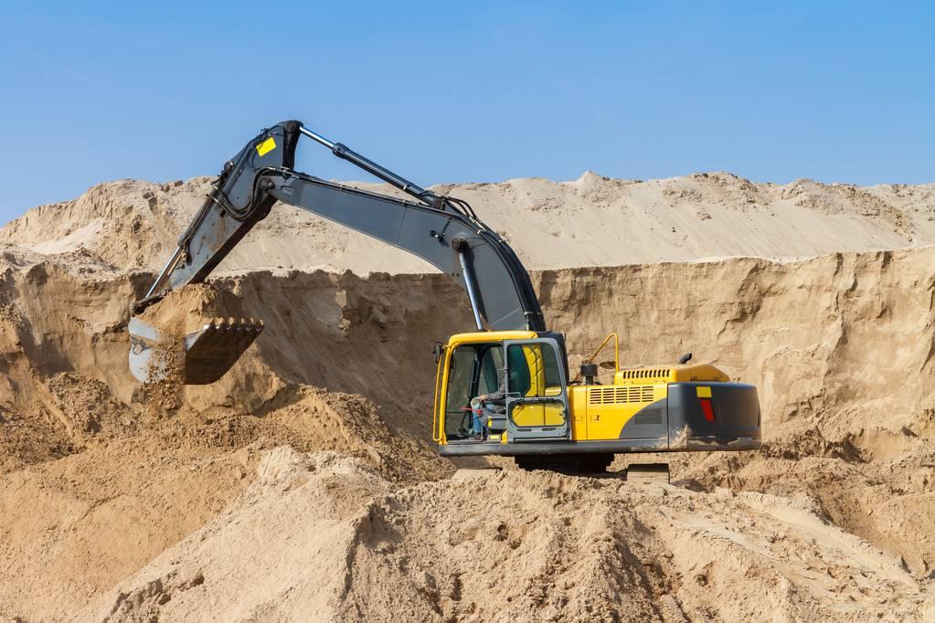 开挖掘机的几个驾驶技巧,学会你就是大佬