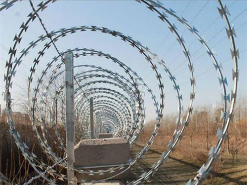 新疆护栏网生产