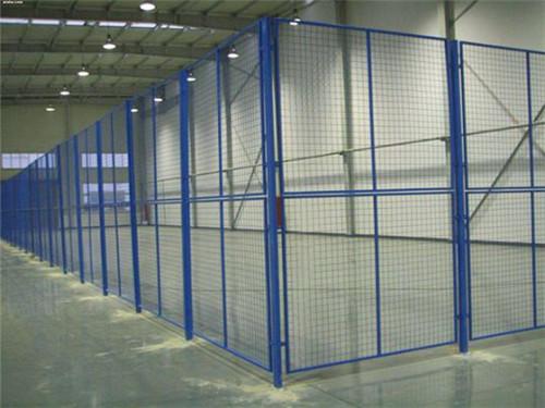 为东方希望有色金属厂家安装隔离护栏
