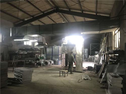 新疆烤漆房施工车间
