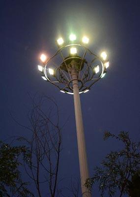 太阳能高杆路灯