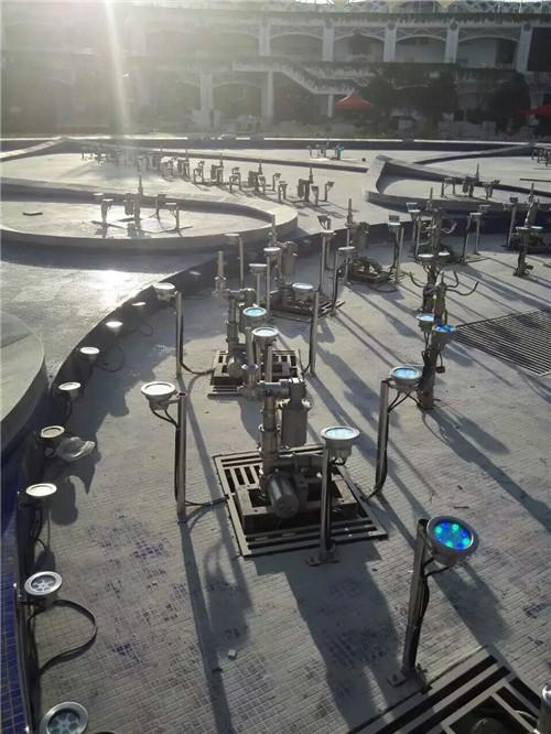 云景喷泉与新郑新区漂浮音乐喷泉合作