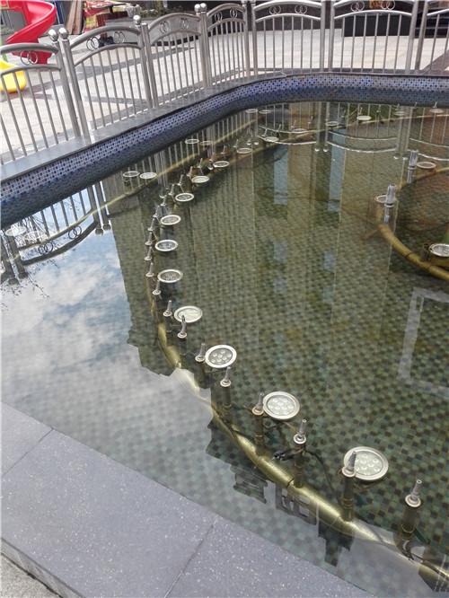 湖南奥特莱斯广场喷泉施工现场