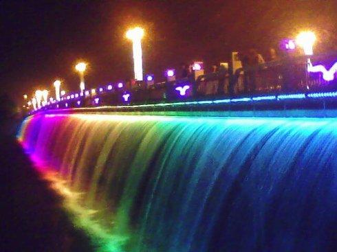 四川桥上喷泉