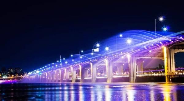 四川桥上喷泉设计