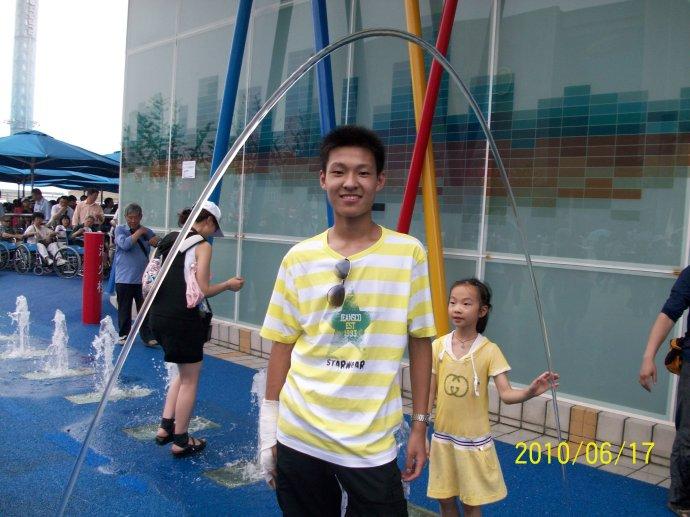 四川玻光喷泉施工