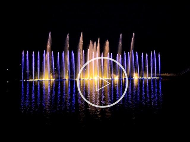 贵州人工湖音乐喷泉实景视频