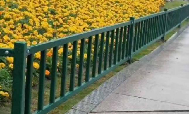 草坪护栏的标准高度是多少