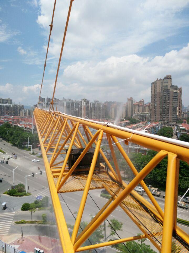 塔吊喷淋系统安装