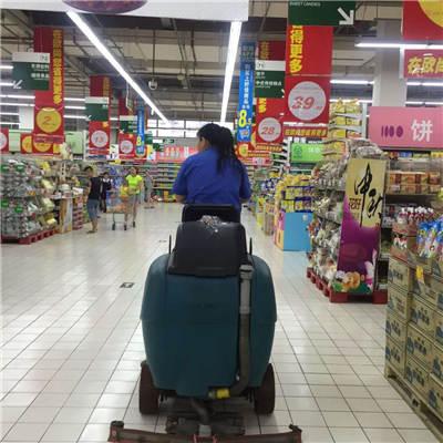 陕西扫地机在各大商场进行投入使用