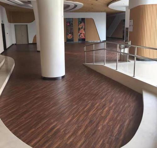 河南塑胶地板