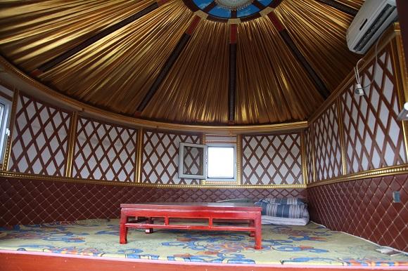 蒙古包內部環境