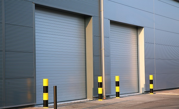 工业用门安装