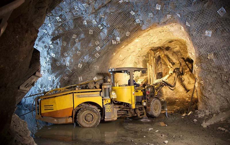 非煤矿山发生井下冒顶事故如何自救?