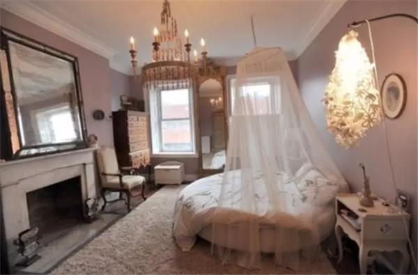 圆床浪漫的设计以及萌萌哒的既视感,一眼就能俘获少女的心
