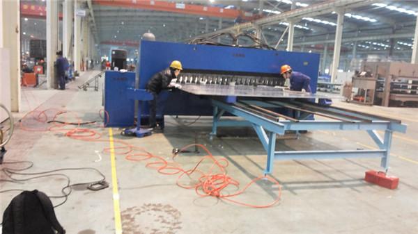 厢式货车铆接生产线样件