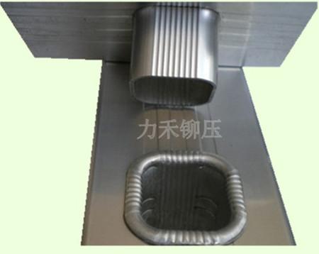 铝合金梯子铆接机