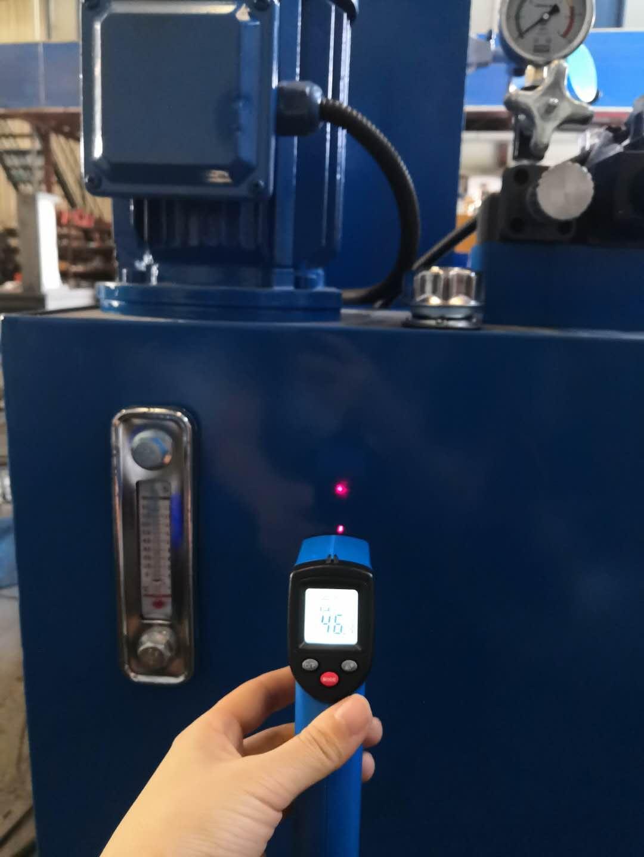 铆接机油箱温度检测