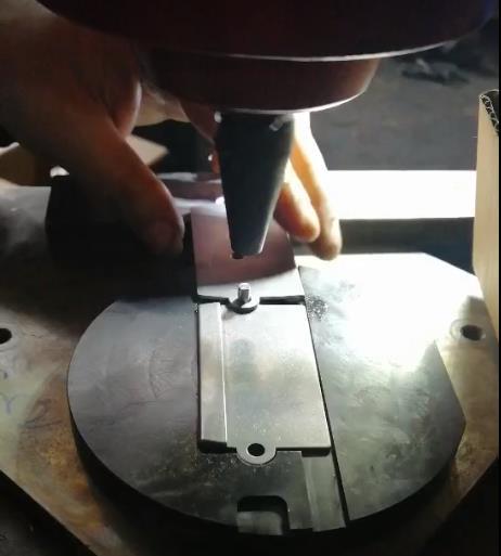 不锈钢铆钉铆接