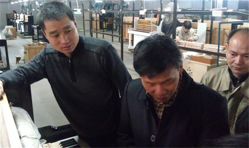 新疆珠江钢琴调律师厂家学习技术