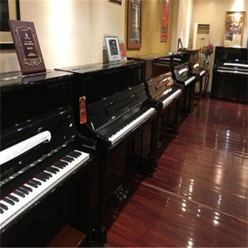 新疆珠江钢琴