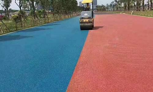 恒信为您介绍成都彩色陶瓷防滑路面的特点和功能
