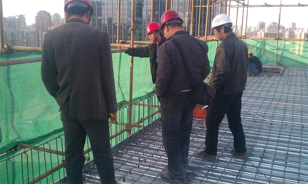 建筑加固施工人员施工质量检查?