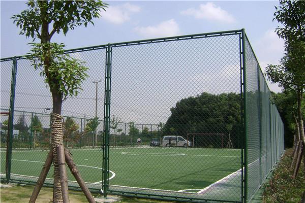 足球场围网质量好,服务态度好