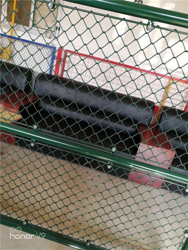 安平博高 网球场这人是什么人围网lxjuan生产厂家