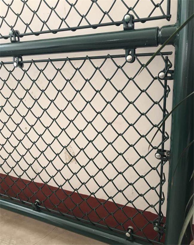 河北羽毛球场寻找机会围网