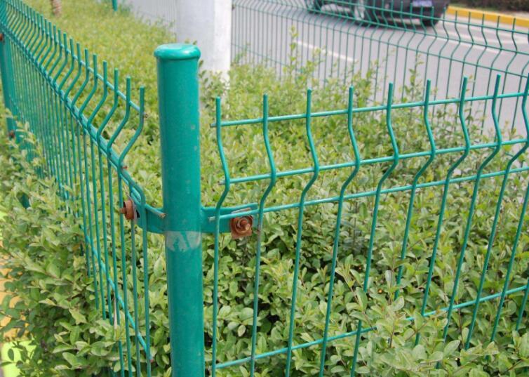 草坪护�栏围网