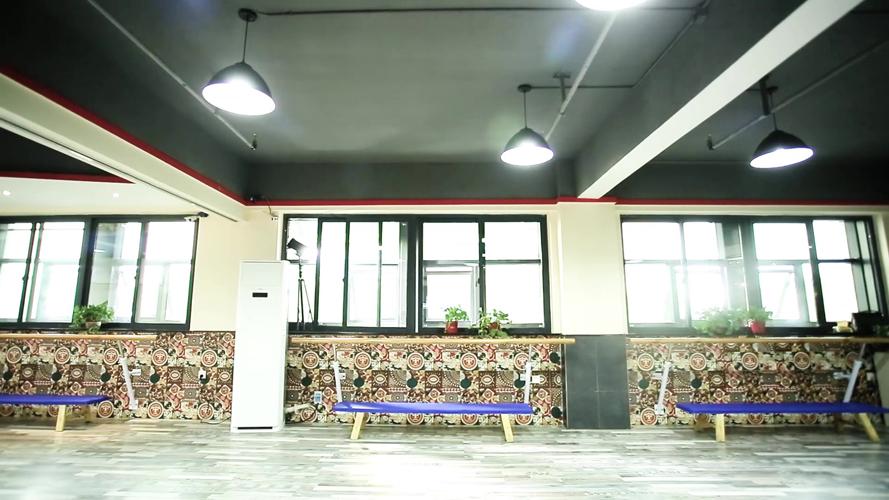 广场校区舞蹈教室