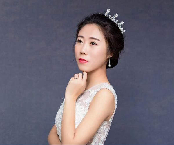 中国舞中级阶段老师董静雯