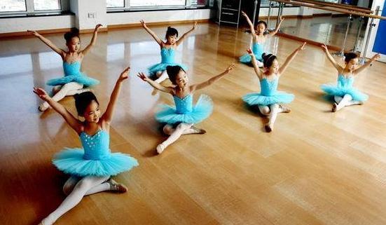 中国民族舞这种舞种的艺术特点是什么呢?