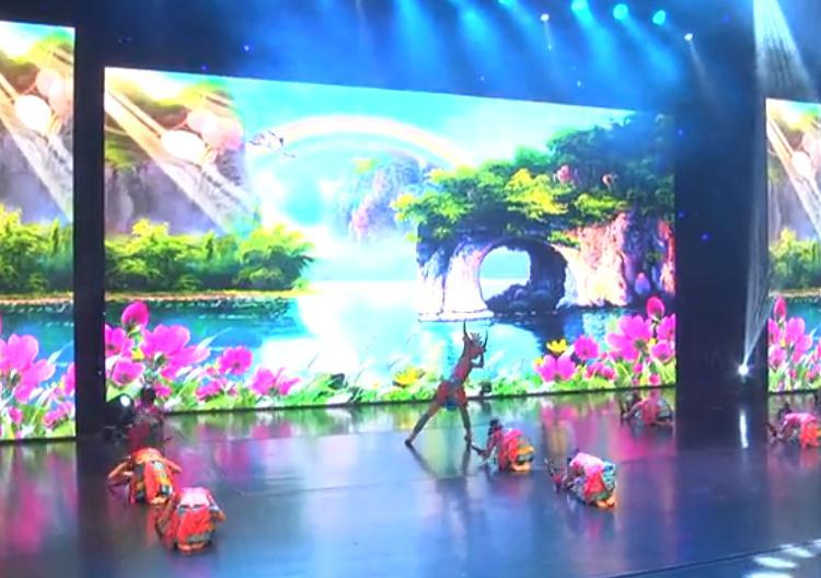 群舞《牛角尖尖》★中国春节印象