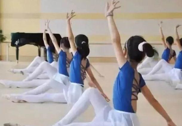 关于中国舞的旋转时的特点,一起看看这四点吧!