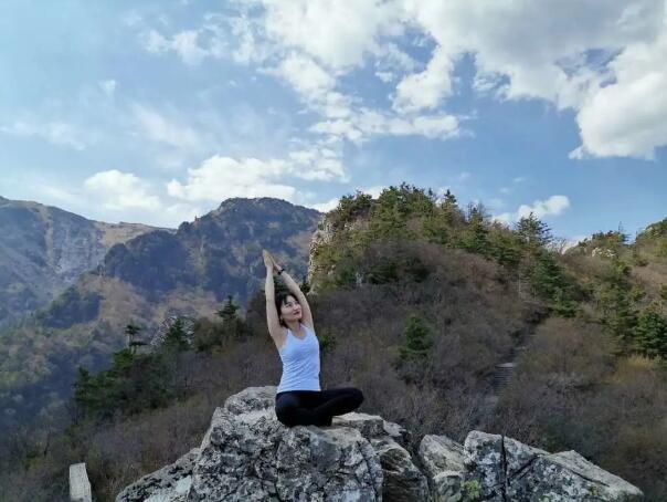 带着瑜伽去旅行,在旅途中遇见.美的自己!