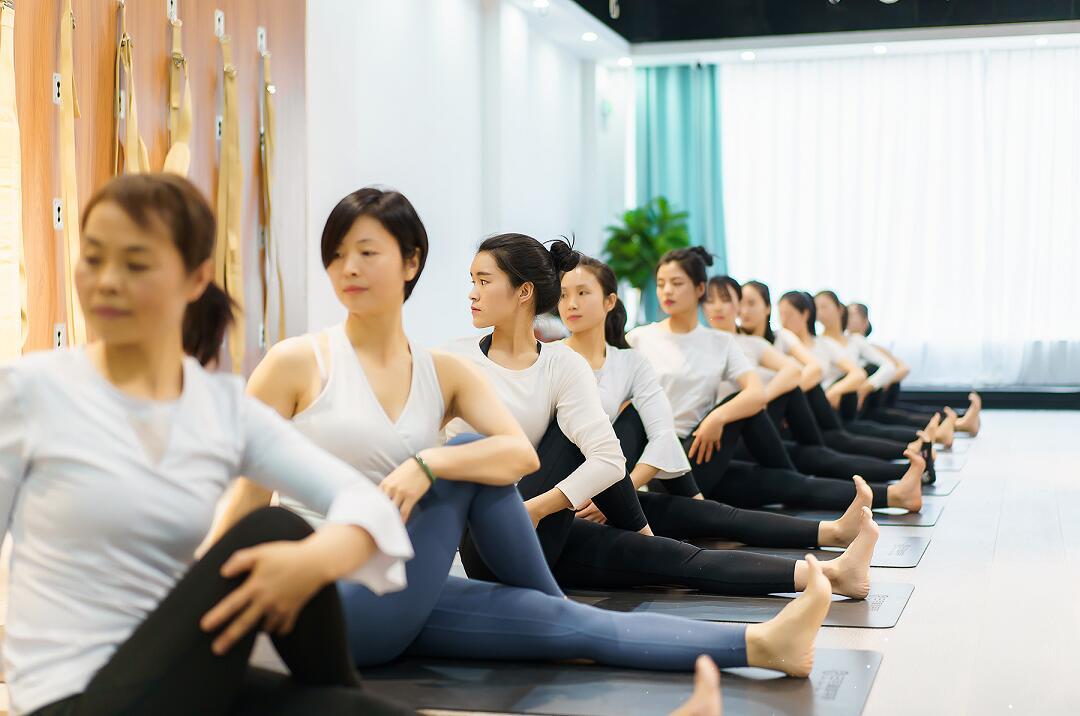 西安瑜伽培训老师专业更用心