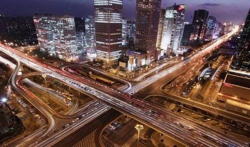 2018年中国经济总量首次突破90万亿元