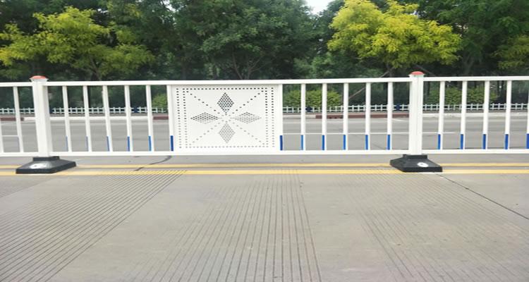 道路护栏案例