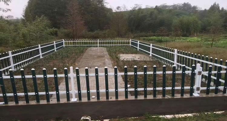 某菜园PVC护栏安装案例