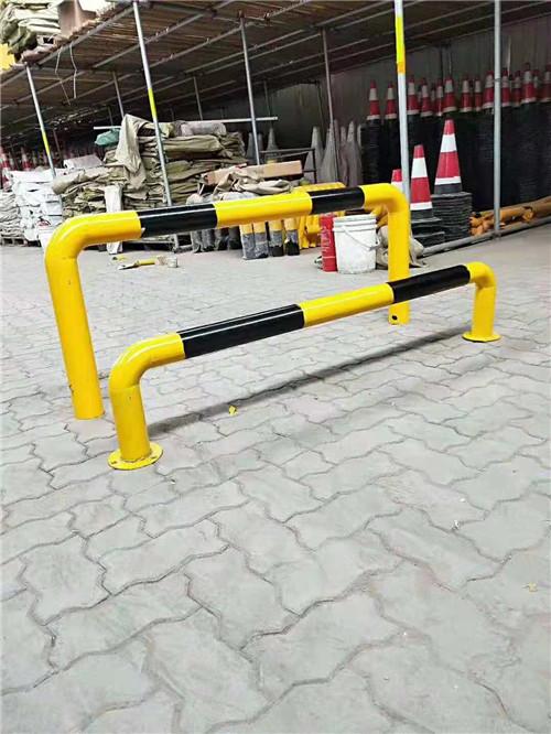 河南交通设施的护栏展示