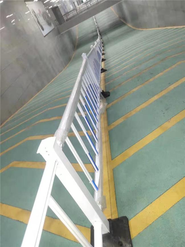 許昌高鐵站冷漆車庫劃線