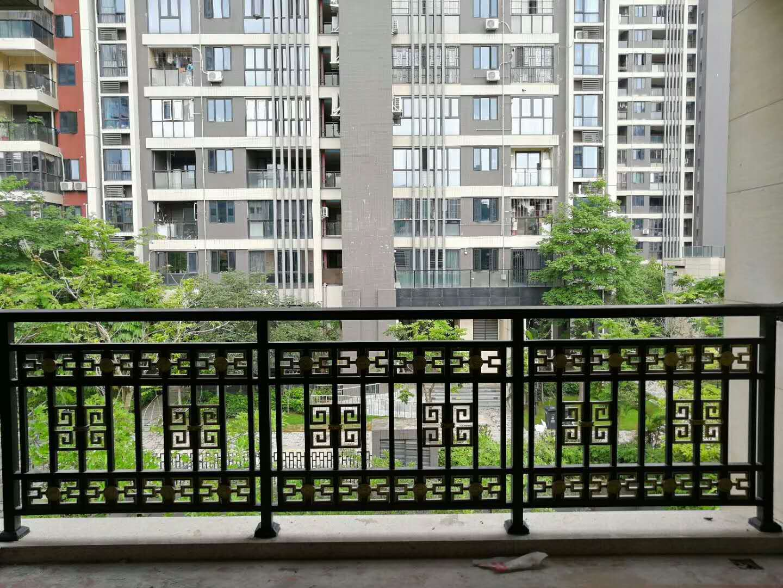 四川铝合金栏杆与木质栏杆的区别