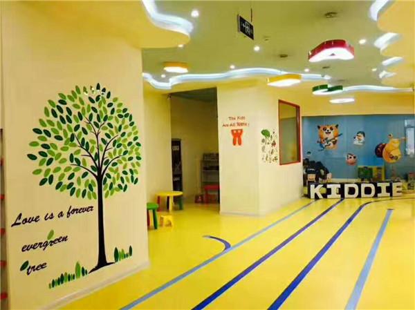 西安塑膠地板成功施工于寶雞科蒂思維英語學校