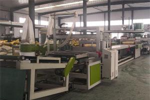 中空塑料模板生产车间