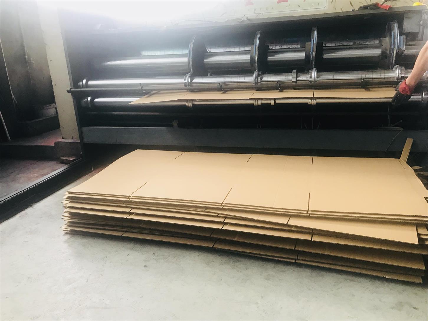 四川纸箱包装设备展示