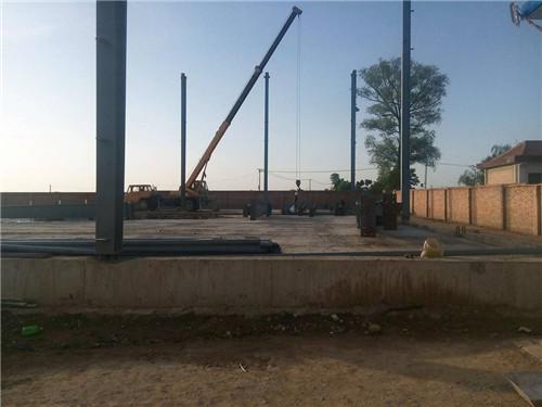 钢结构工程吊柱子